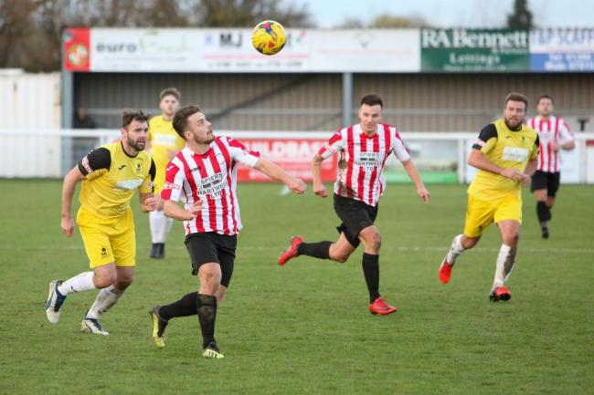Evesham United: Old boy's penalty holds Robins to a draw