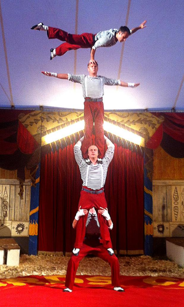 Cotswold Journal: Circus rolls into village