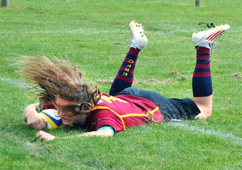 TRY TIME: Evesham Under 17's Wilf Watson crosses the line in his side's win over Worcester. Picture: GINO DI FRANCO