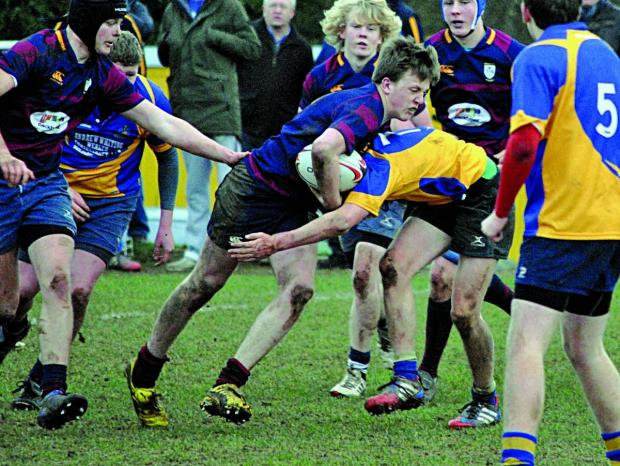 DRIVING FORWARD: Try-scorer Alex Stoddart on the charge for Evesham in their 29-29 draw at Kenilworth in the National Colts Plate second round, which earned them progress as the away side.  Picture GINO DI FRANCO