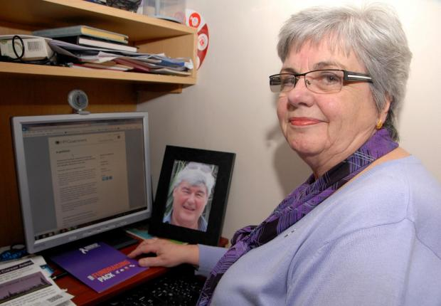 Cotswold Journal: 1114542401 Paul Jackson 11.03.14 Evesham Sandra Francis is hoping people sign an e-petition for more funding towards research into pancreatic cancer. Her husband Pete died from the disease.. (4534784)