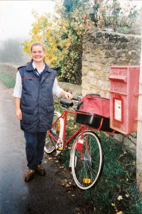 IN MEMORY: Sue Henderson, who was a postie in Chipping Norton for nearly 24 years, died of cancer in February. Her husband Rick is now raising money for the hospice that cared for her.