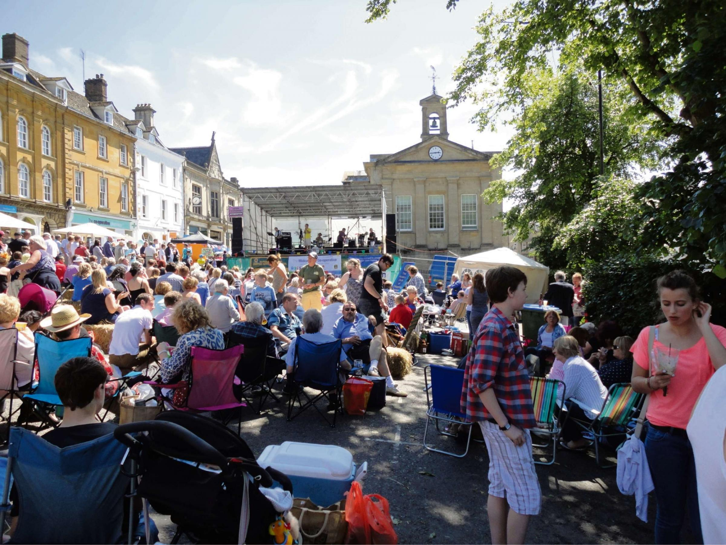 Family entertainment at fifth Chipping Norton Town Festival