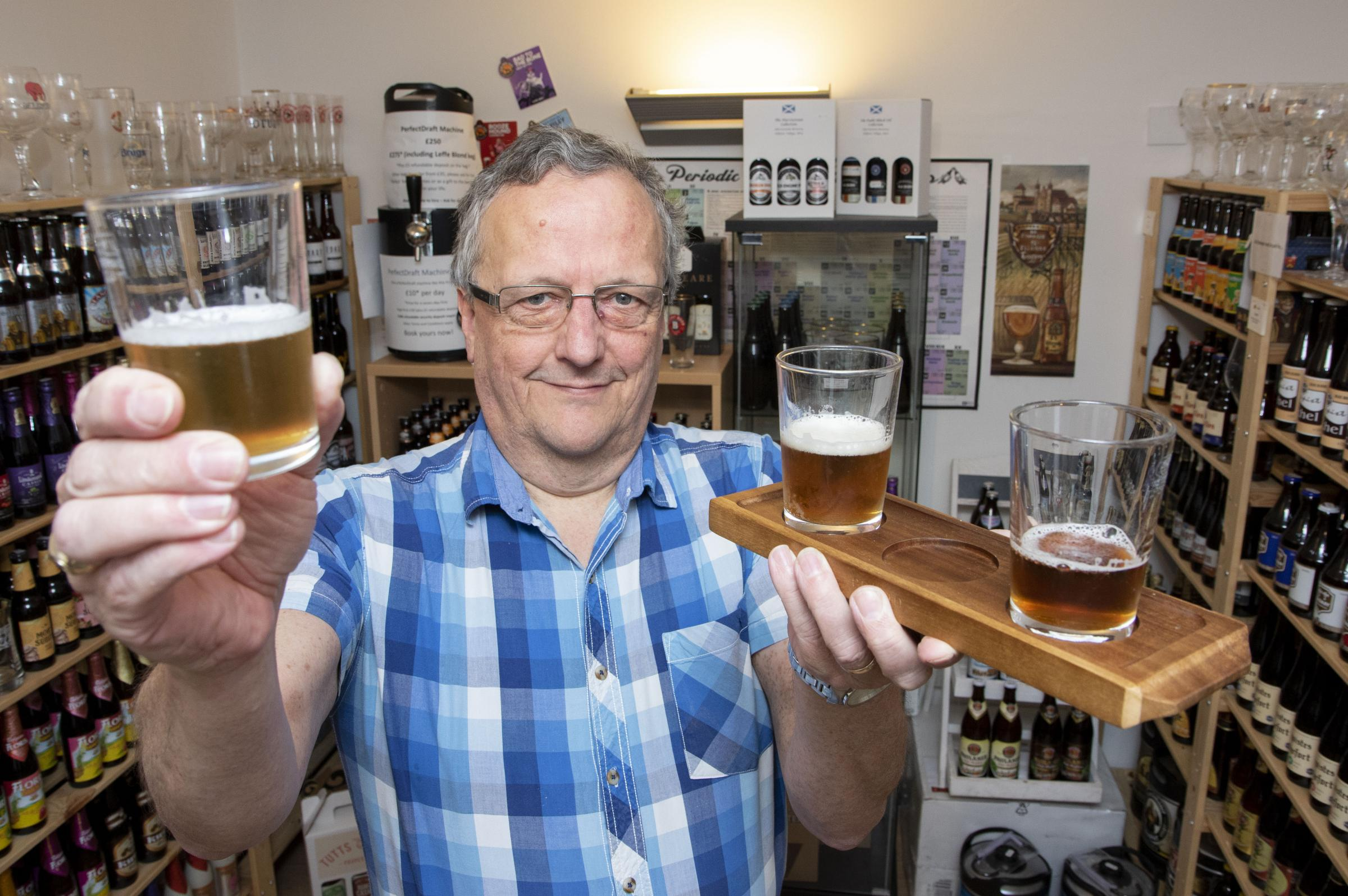 WN_090418_10 Paul Jackson 09.04.18 Moreton-in-Marsh - Simon Butler, owenr of Moreton Beer Cellar, is holding a beer tasing in aid of Loganberry Trust..