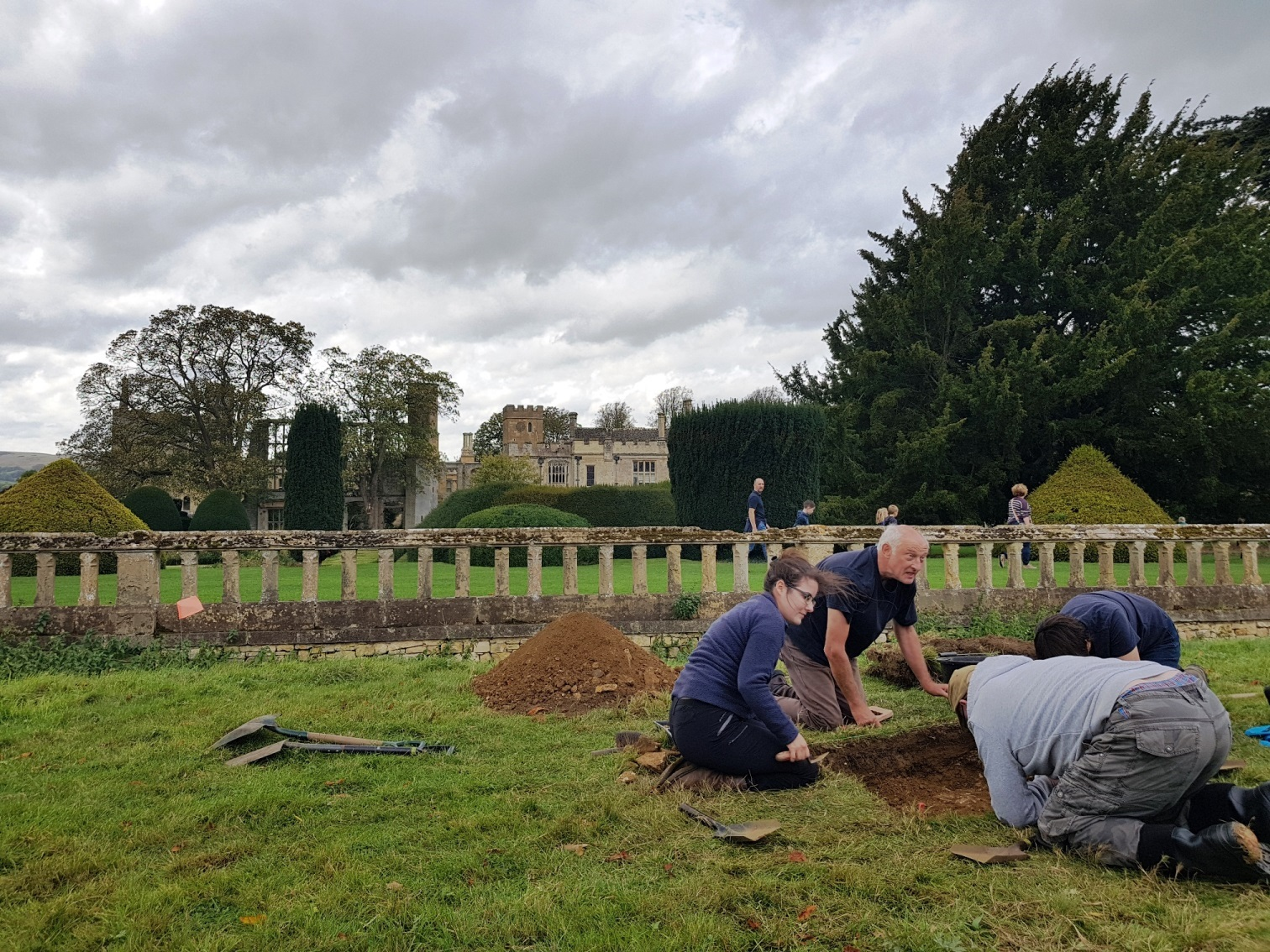 Chance to help unearth long-lost Tudor garden at Sudeley Castle