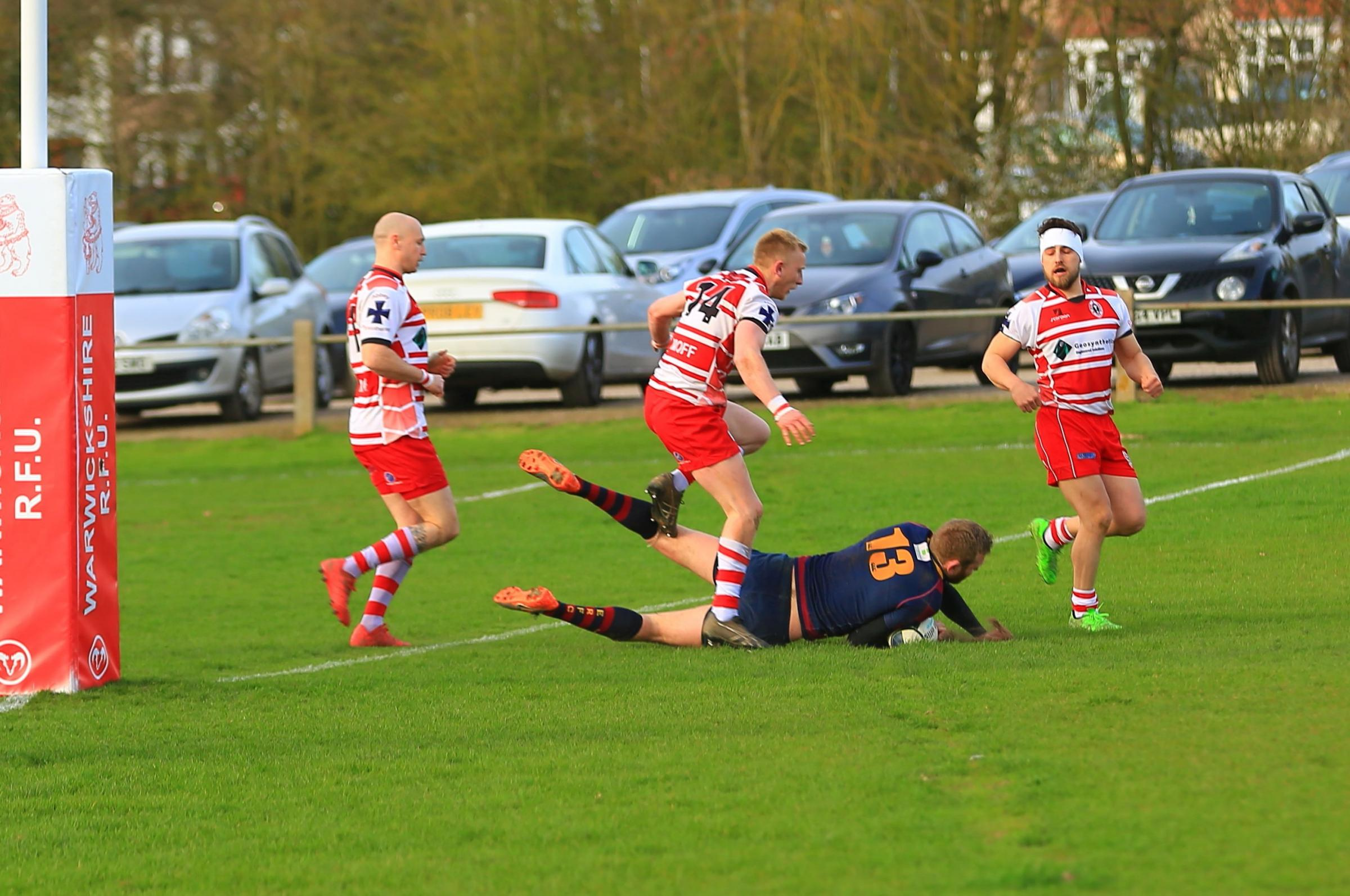TRY! Evesham's Andy Robinson scores. Pic: Roland Bailey